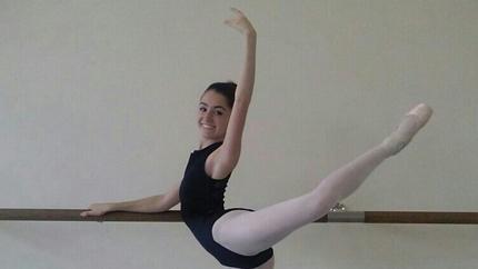 Alana Krafsur in a ballet pose