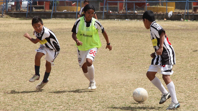 The local Costa Rican participants practice their skills in a friendly scrimmage.