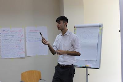 Firuz Yogbekov teaching a class