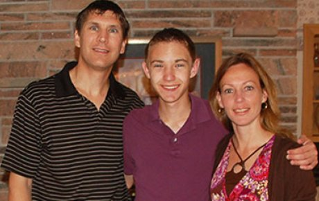 NSLI-Y Participant Grant J. with his parents.