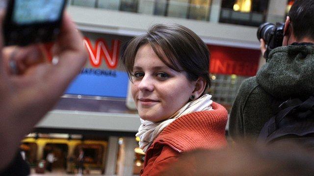 Edward R. Murrow participant, Viktoriya Piriyeva of Azerbaijan, in front of CNN International