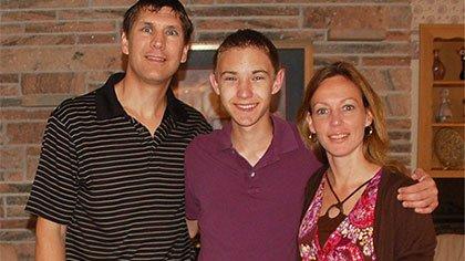 NSLI-Y Participant Grant J. with his parents.